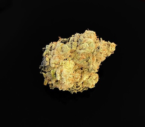 New Batch! SILVER APPLE - 29%THC - Special Priced $125 Oz!